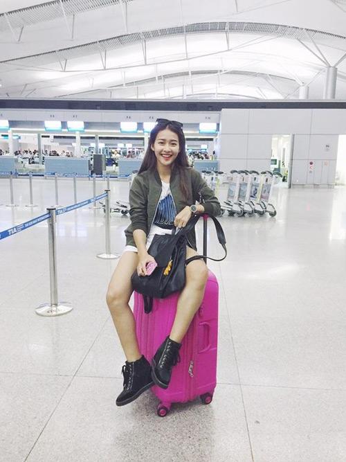 """""""Soi"""" thời trang của hot girl Việt ở sân bay đông đúc - 7"""