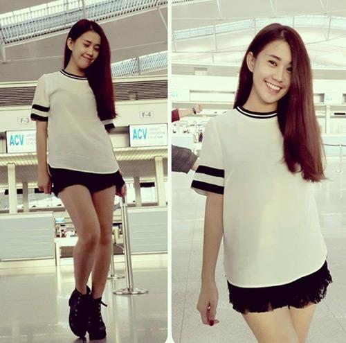 """""""Soi"""" thời trang của hot girl Việt ở sân bay đông đúc - 11"""