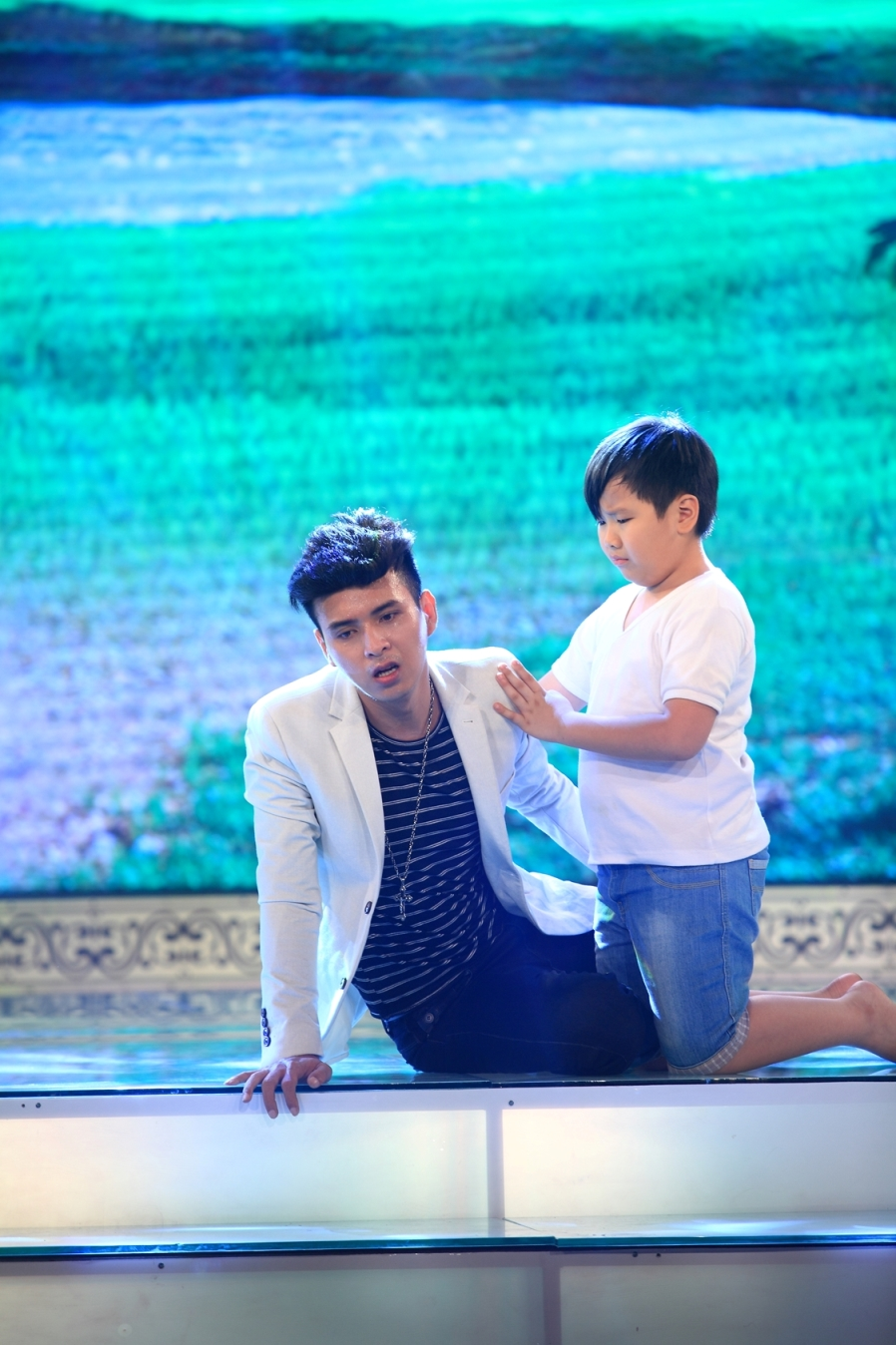 Hồ Quang Hiếu hóa tay chơi đua đòi - 2