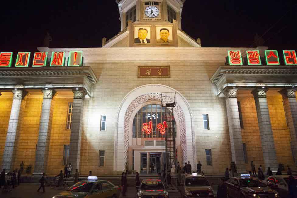 Thủ đô Bình Nhưỡng trước ngày diễu binh lịch sử - 4