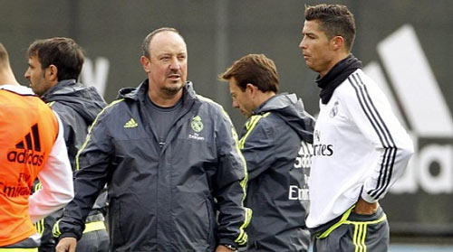 """Căng thẳng leo thang, Ronaldo """"tuyệt giao"""" với Benitez - 1"""