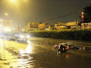 Tin tức trong ngày - TPHCM: Truy tìm ô tô cán chết 2 người rồi bỏ trốn