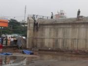 Camera hành trình - Lao xe máy lên cầu vượt xây dở, rơi xuống đất tử vong