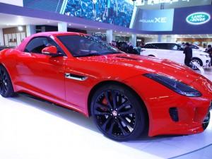 Cận cảnh chiếc Jaguar F-Type R tại Hà Nội