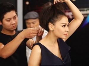 Thu Minh tất bật ngồi ghế nóng và chạy show Hà Nội