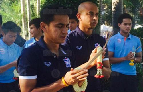 HLV Kiatisak ngại 'sức nóng' sân Mỹ Đình - 1