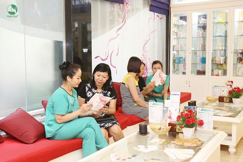 """Chị em U30-40 yêu thích """"bí quyết"""" trẻ hóa da tại Spa Thu Cúc - 1"""