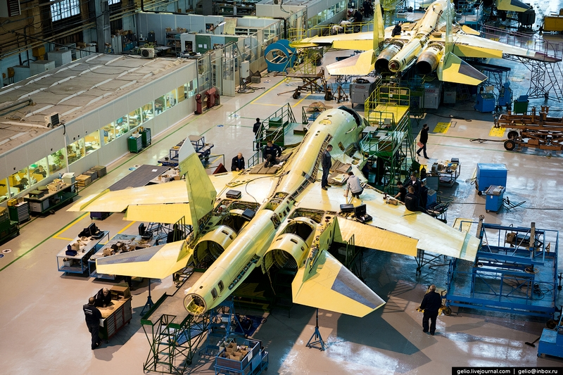 Thâm nhập nơi lắp ráp máy bay cường kích Su-34 - 6