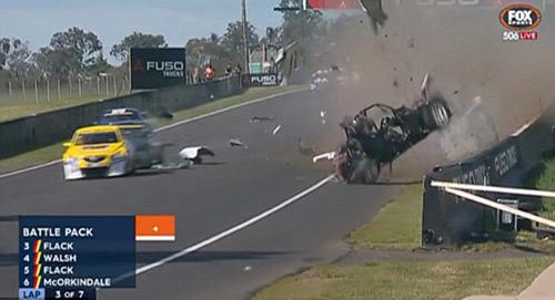 Tai nạn: Xe đua lộn 12 vòng bốc cháy ngùn ngụt - 3