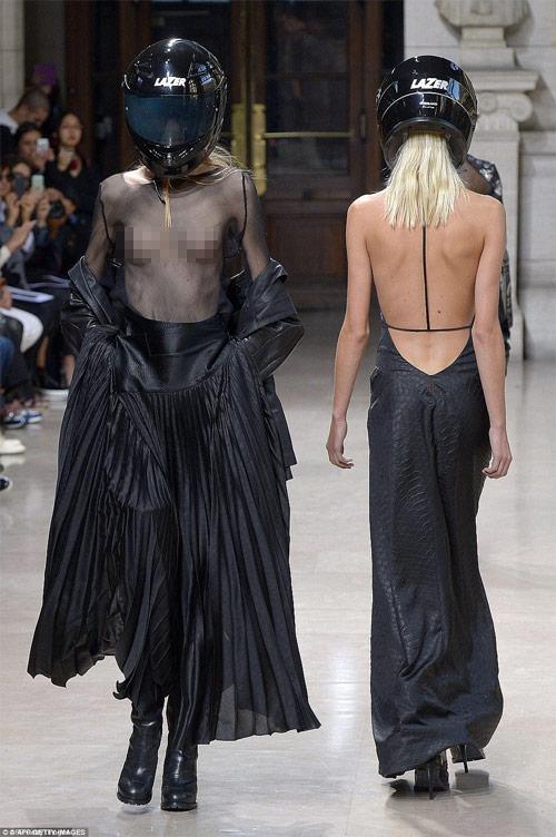 """Tròn mắt xem các """"thảm họa thời trang"""" ít ai dám mặc - 8"""
