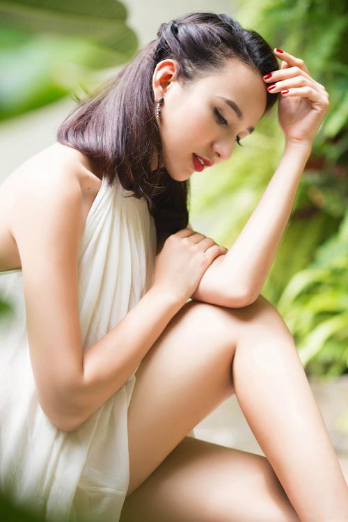 """Nhan sắc """"lai Tây"""" đẹp mê hồn của dàn hoa hậu Việt - 12"""