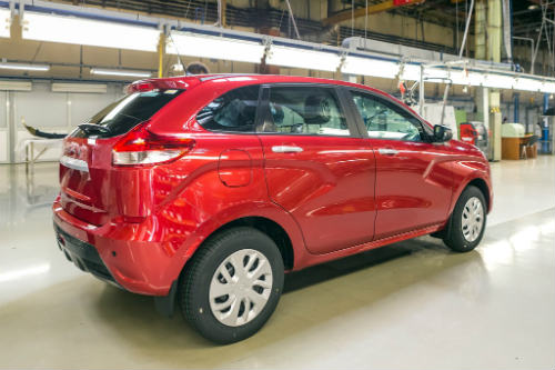 Xe Nga Lada XRAY giá 177 triệu đồng rục rịch ra mắt - 2