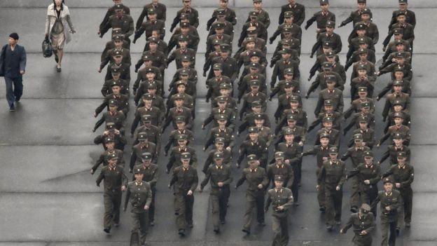 Triều Tiên diễu binh hoành tráng mừng 70 năm thành lập Đảng - 3