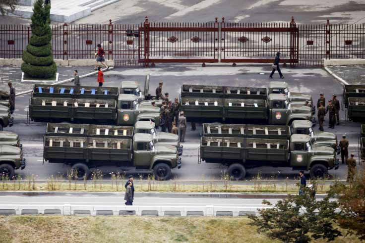 Triều Tiên diễu binh hoành tráng mừng 70 năm thành lập Đảng - 2