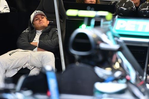 Chạy thử Russian GP: Mưa tầm tã tại Sochi - 1