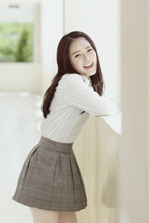 """Hot girl gốc Việt cover """"Thằng Cuội"""" bằng 6 thứ tiếng - 1"""
