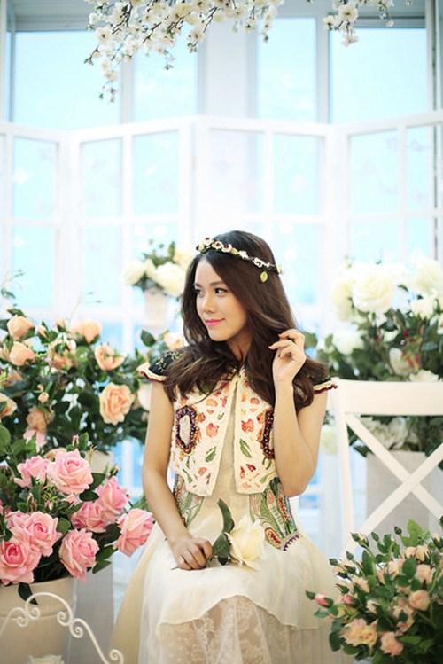 """Hot girl gốc Việt cover """"Thằng Cuội"""" bằng 6 thứ tiếng - 2"""