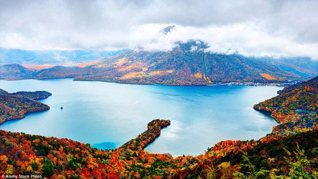 Lạc bước đến những nơi có mùa thu đẹp nhất thế giới - 1