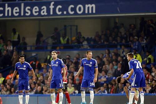 "Chelsea - Mourinho: ""Chiếc xe buýt"" hết xăng - 1"