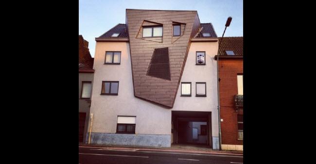 3. Tất cả những gì có thể bình luận về ngôi nhà này ở Bỉ đó là bố cục quá rắc rối.