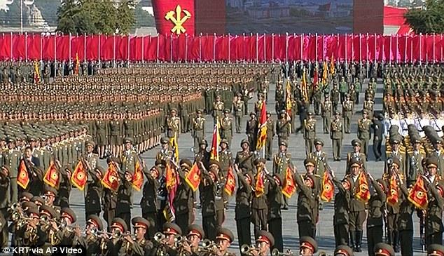 """Soi loạt vũ khí """"khủng"""" trong lễ duyệt binh lịch sử của Triều Tiên - 11"""