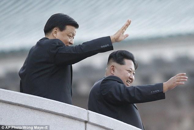 """Soi loạt vũ khí """"khủng"""" trong lễ duyệt binh lịch sử của Triều Tiên - 12"""