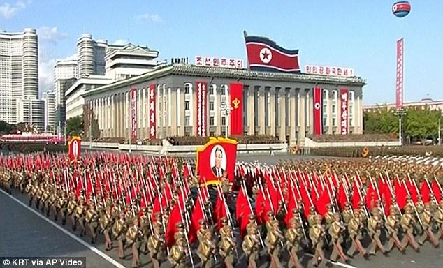 """Soi loạt vũ khí """"khủng"""" trong lễ duyệt binh lịch sử của Triều Tiên - 6"""