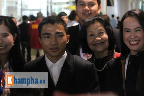 """""""Messi Thái Lan"""" háo hức so tài Công Phượng - 2"""