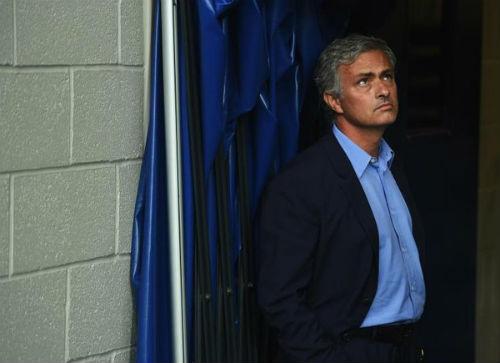 Mourinho phải học bóng đá đẹp từ Wenger - 1