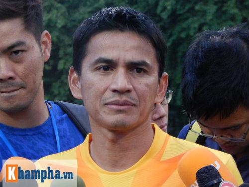 """""""Messi Thái Lan"""" tâng bốc Công Vinh - 2"""
