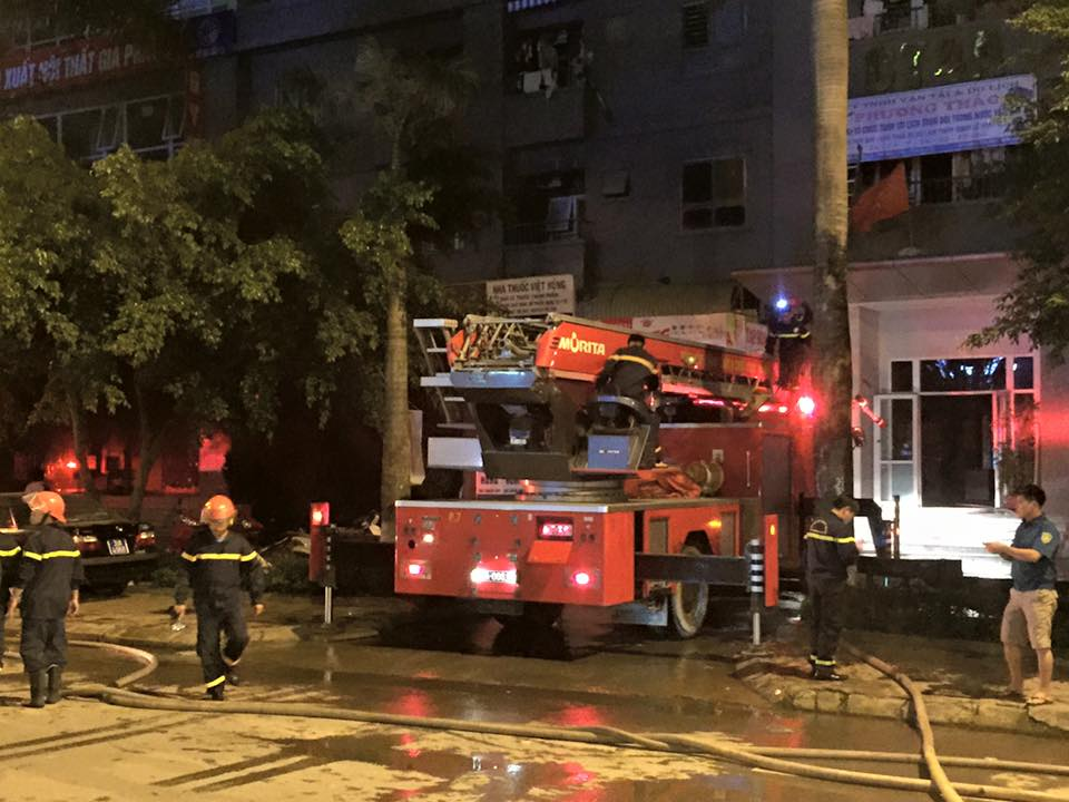 HN: Cháy lớn tại khu đô thị Xa La, nhiều người ngạt khói - 5