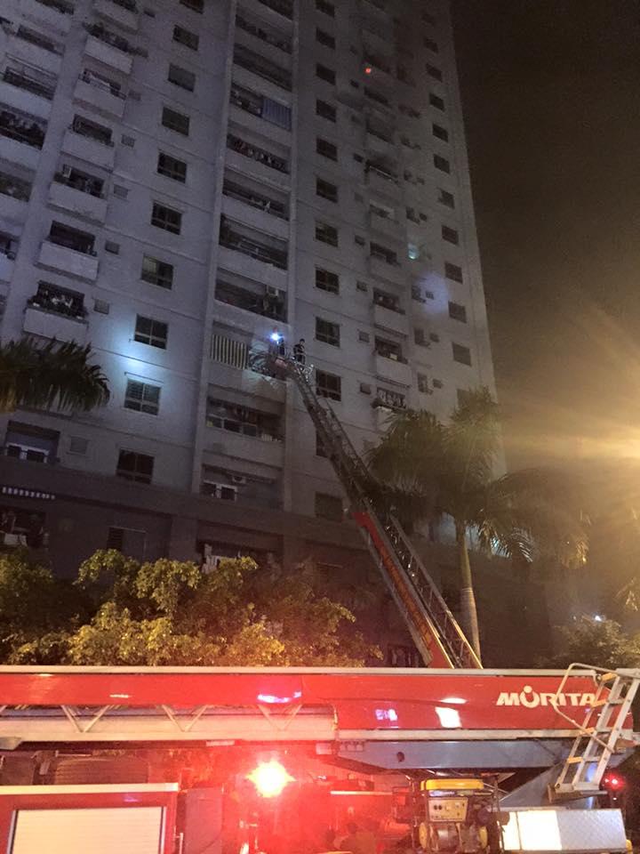HN: Cháy lớn tại khu đô thị Xa La, nhiều người ngạt khói - 7