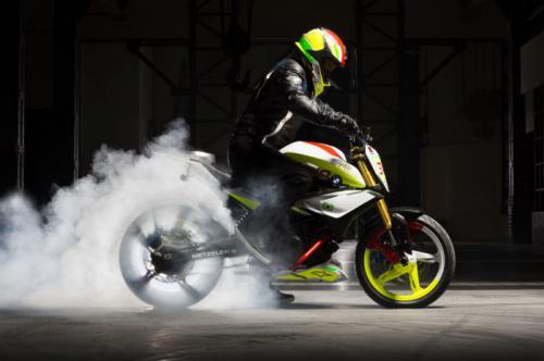 """Soi """"chất lừ"""" của siêu xe mô-tô Concept Stunt G 310 - 5"""