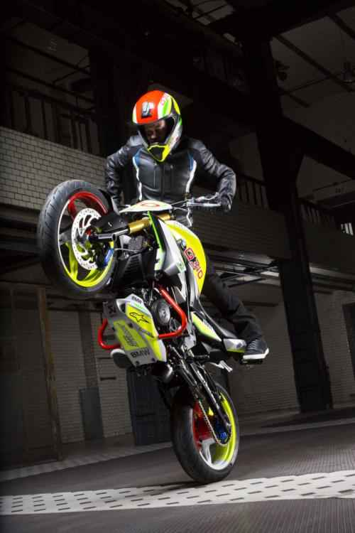 """Soi """"chất lừ"""" của siêu xe mô-tô Concept Stunt G 310 - 6"""
