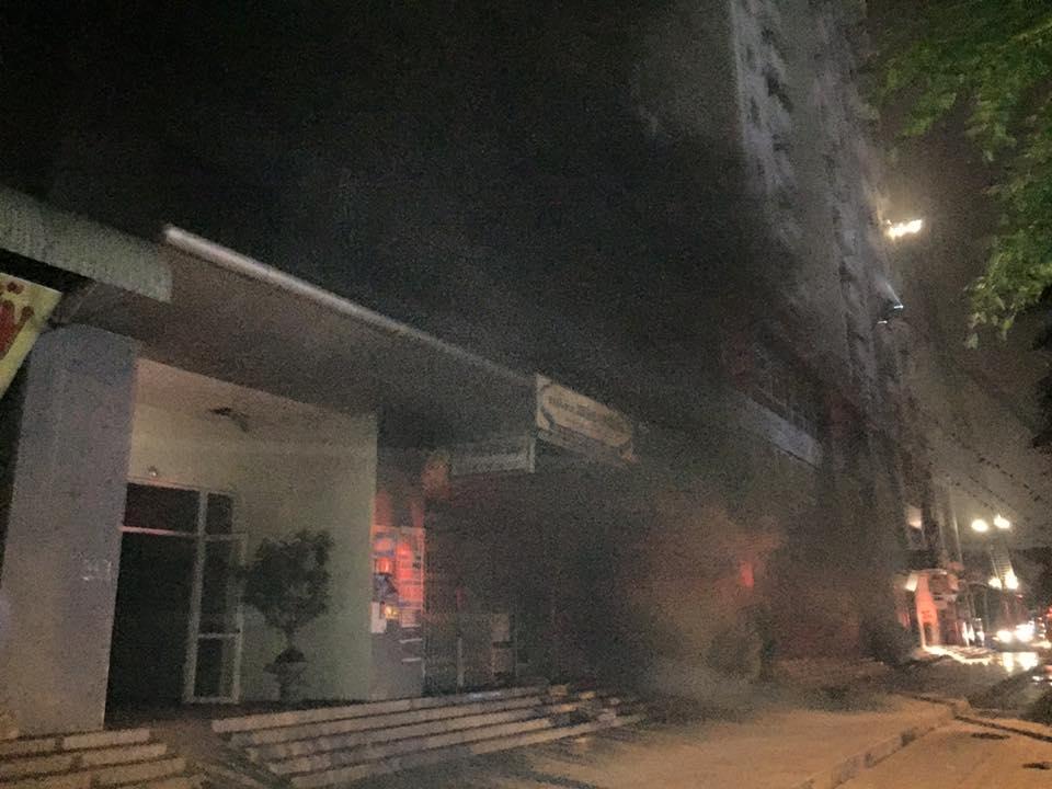 HN: Cháy lớn tại khu đô thị Xa La, nhiều người ngạt khói - 10