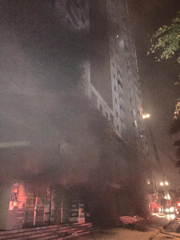 HN: Cháy lớn tại khu đô thị Xa La, nhiều người ngạt khói - 9