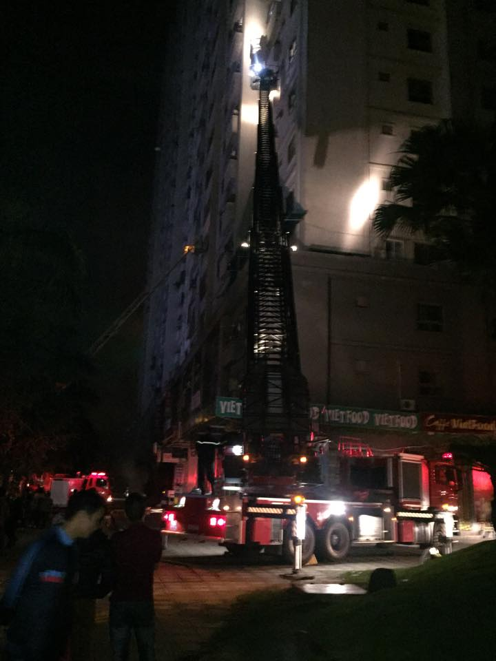 HN: Cháy lớn tại khu đô thị Xa La, nhiều người ngạt khói - 3