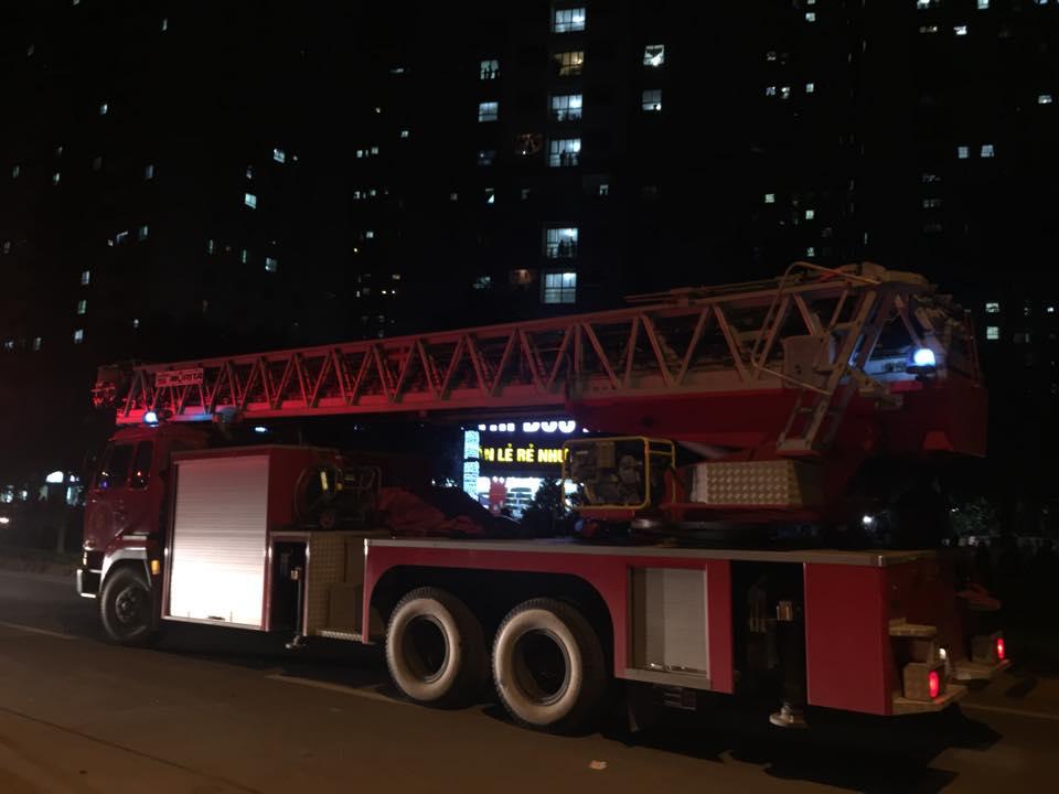 HN: Cháy lớn tại khu đô thị Xa La, nhiều người ngạt khói - 6