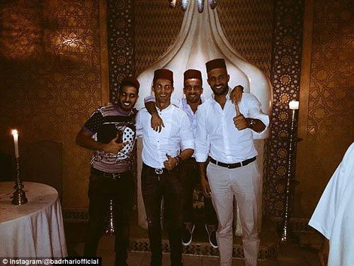 "Siêu sao kickboxing tuyên bố ""cưới"" Ronaldo - 4"