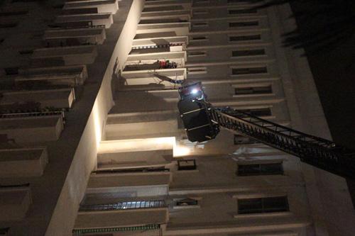 Cháy chung cư Xa La: Nổ lớn phát ra từ tầng hầm - 4