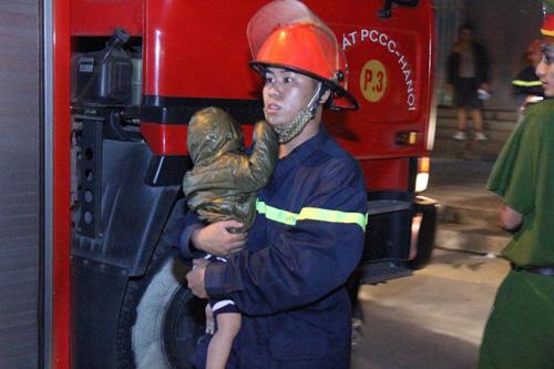 Cháy chung cư Xa La: Nổ lớn phát ra từ tầng hầm - 7