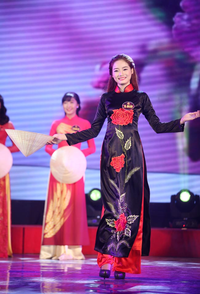 Nữ sinh Công Nghiệp giành ngôi Hoa khôi Sinh viên HN 2015 - 12