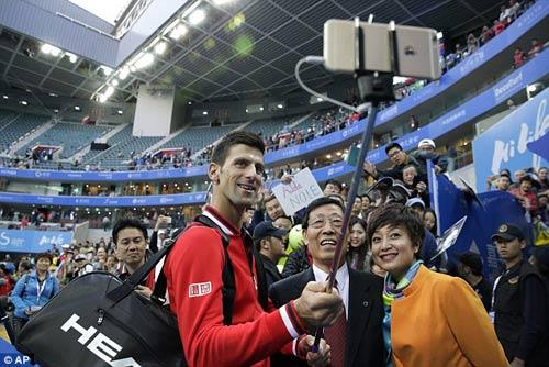 Tennis 24/7: Chú Nadal khó chịu hành động của Fognini - 1