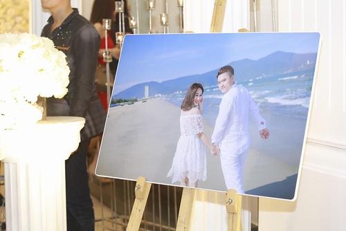 Vợ chồng Tuấn Hưng đến mừng đám cưới Vũ Duy Khánh - 9