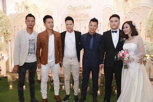 Vợ chồng Tuấn Hưng đến mừng đám cưới Vũ Duy Khánh - 2
