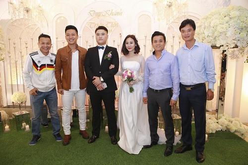 Vợ chồng Tuấn Hưng đến mừng đám cưới Vũ Duy Khánh - 3