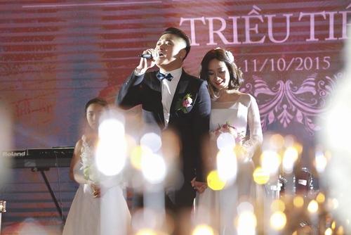 Vợ chồng Tuấn Hưng đến mừng đám cưới Vũ Duy Khánh - 5