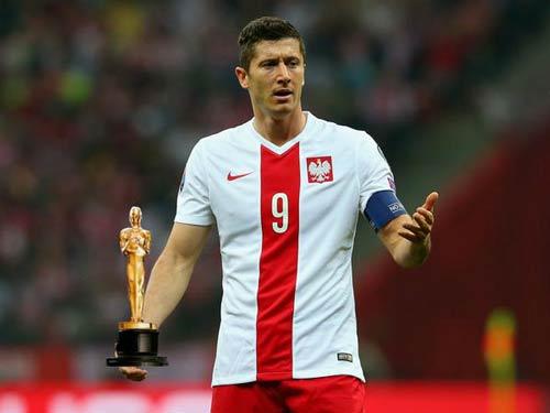 Lewandowski ghi 15 bàn sau 6 trận, vẫn bị chê ăn vạ - 2