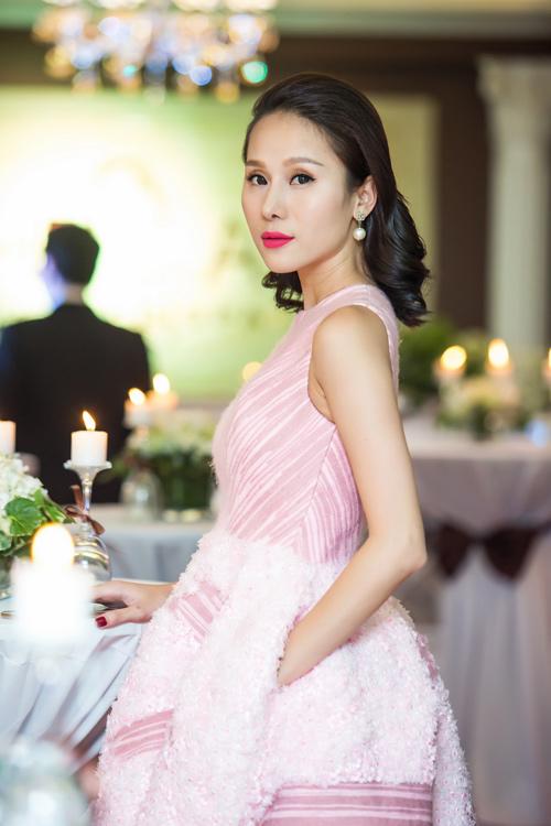 Siêu mẫu Thái Hà xinh đẹp ngày trở lại - 1