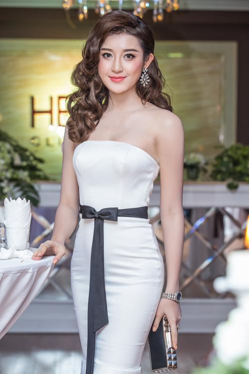 Siêu mẫu Thái Hà xinh đẹp ngày trở lại - 6